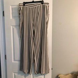 New York and Company xxl striped pants